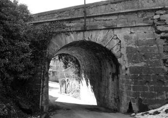 Susa, via Montenero, antico ponte in pietra costruito lungo la strada del Moncenisio.